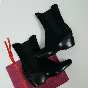 Nike Air black suede comfy heels boots size 9.5